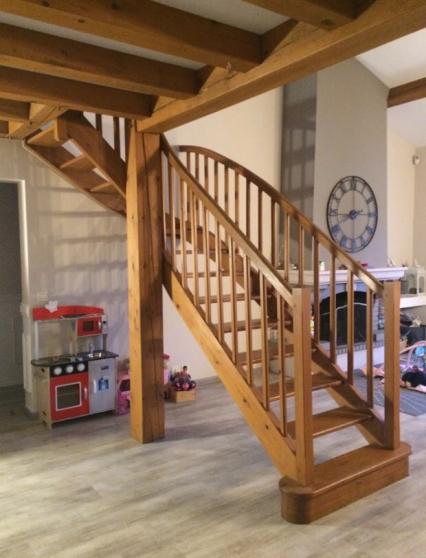 Escalier d'interieur en bois massif