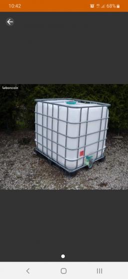 Annonce occasion, vente ou achat 'Cuve à eau alimentaire 1000 l comme neuv'