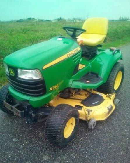 Tracteur tondeuse JOHN DEERE X740