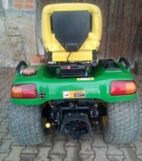 Tracteur tondeuse JOHN DEERE X740 - Photo 2