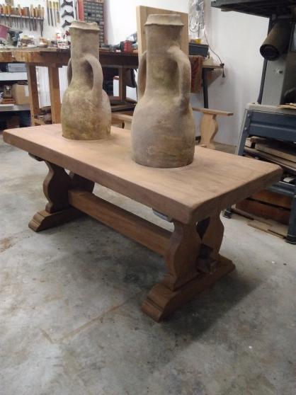 VENDU Amphore sur table monastère