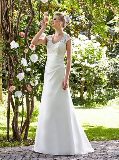 Robe de mariée neuve + accessoires VÊTEMENTS FEMME ROBES DE MARIÉE ...