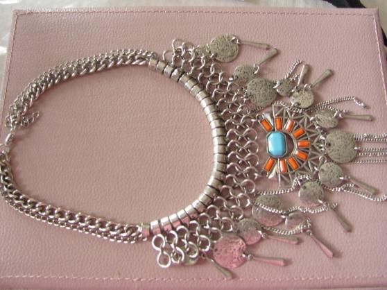 Annonce occasion, vente ou achat 'collier femme'