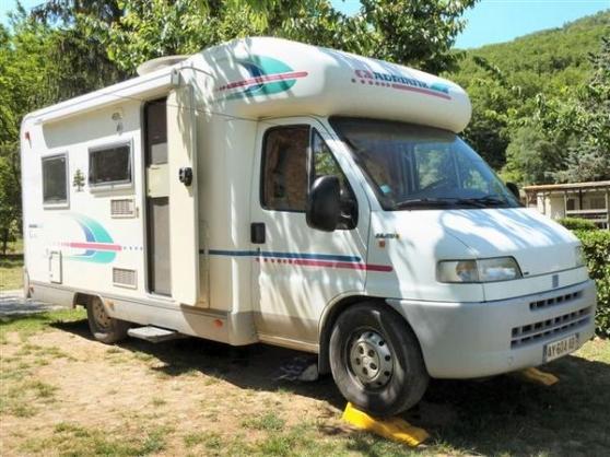 don camping car adriatik coral 640 ds caravanes camping car camping car bressuire reference. Black Bedroom Furniture Sets. Home Design Ideas