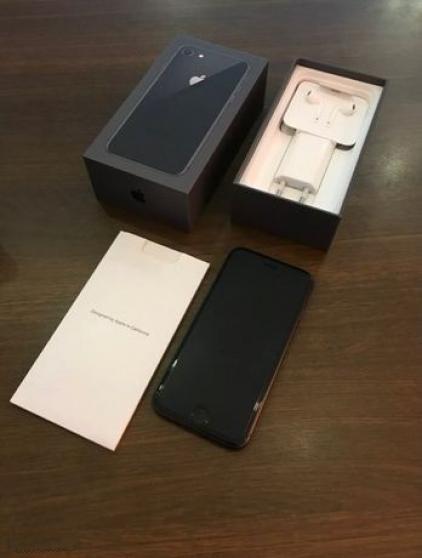 Apple iPhone 8 Noir COMME NEUF + Facture
