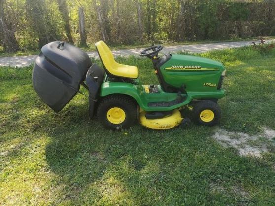 Tracteur tondeuse John deere ltr166