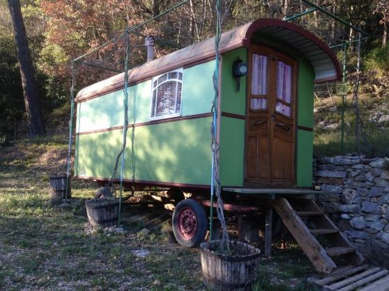 vds roulotte gitane ancienne caravanes camping car. Black Bedroom Furniture Sets. Home Design Ideas