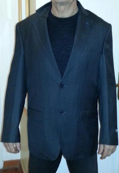 Annonce occasion, vente ou achat 'Costume 54 x 46 XL'