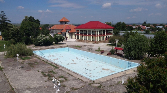 ROUMANIE 13ha villas, 3ha lac, Slatina