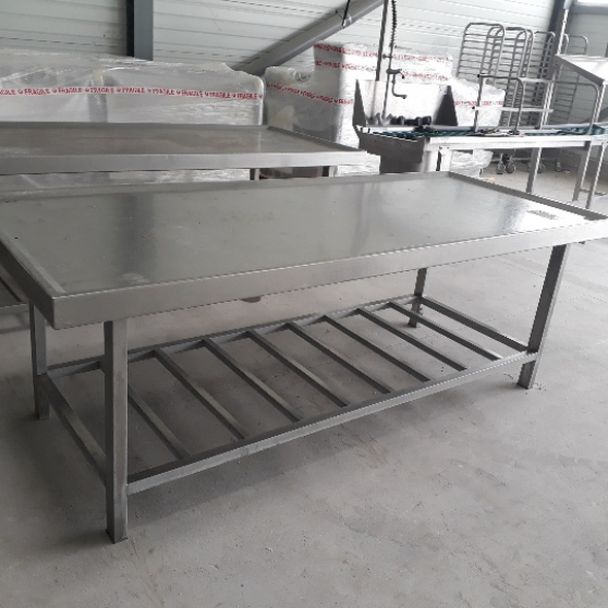 Annonce occasion, vente ou achat 'Tables inox'