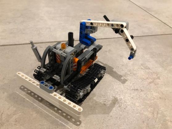 Lego technic n° 42032 2 en 1