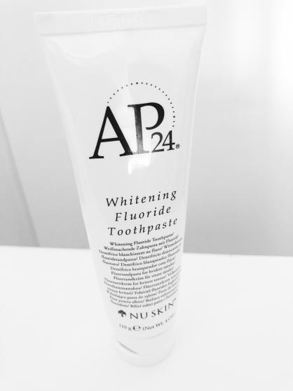 Vends dentifrice blanchissant