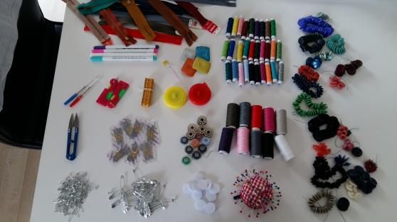 Annonce occasion, vente ou achat 'Matériel couture / mercerie envoi possib'