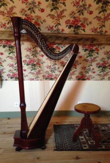 Annonce occasion, vente ou achat 'Harpe Camac Mademoiselle + tabouret'