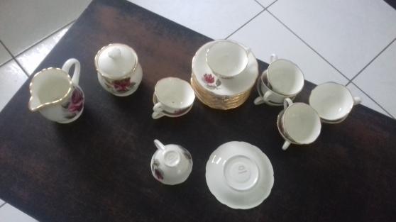 Annonce occasion, vente ou achat 'Vaisselle en porcelaine chambord France'