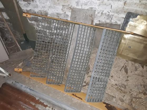 Escalier métallique double limon