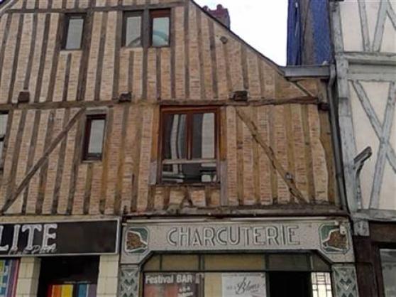 Annonce occasion, vente ou achat 'Au coeur de la Doutre - Maison du 16ème'