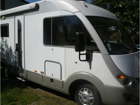 je vendre camping car burstner aviano authon du perche caravanes camping car camping car. Black Bedroom Furniture Sets. Home Design Ideas