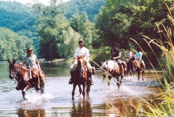 Balades et randos équestres en Auvergne
