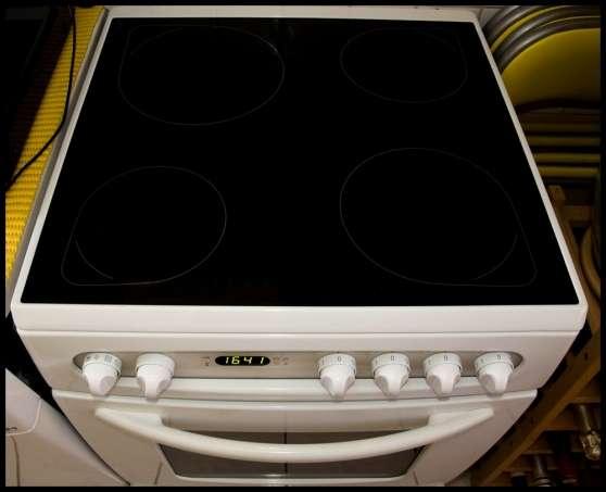 four pyrolyse avec elegant nutid ov four air puls avec fonction pyrolyse produit maison ikea. Black Bedroom Furniture Sets. Home Design Ideas