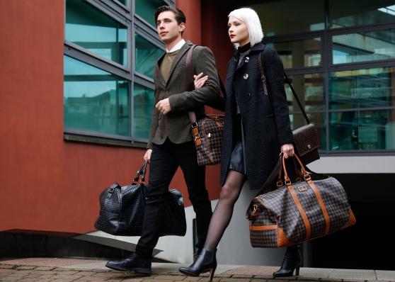 Vêtements, Chaussures, Montres, Sacs - Photo 2