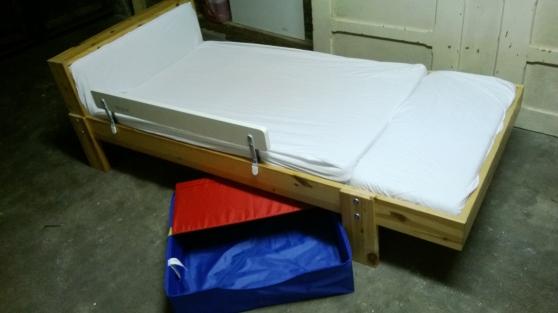 vends lit ikea evolutif vikare matelas sarcelles. Black Bedroom Furniture Sets. Home Design Ideas