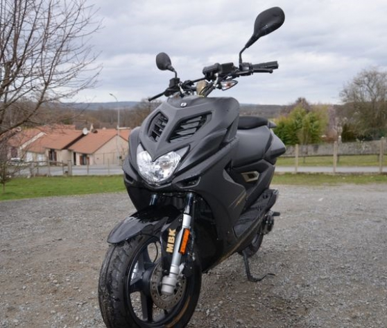 Annonce occasion, vente ou achat 'scooter MBK NITRO édition NAKED'