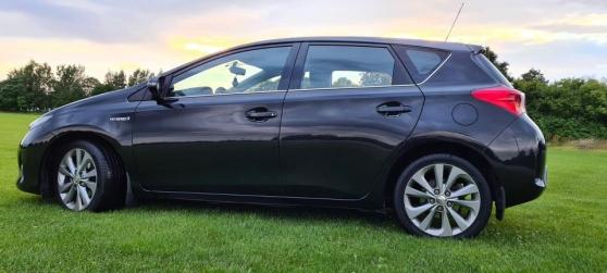Annonce occasion, vente ou achat 'Toyota AURIS 1.8-99 HYBRID année 2013'