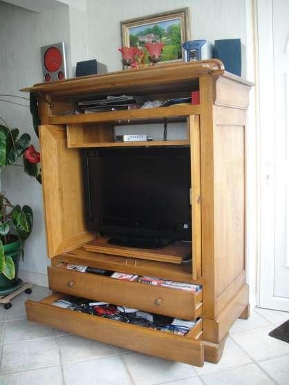 v meuble ch ne massif barre dugue gargenville meubles d coration armoires murales t l. Black Bedroom Furniture Sets. Home Design Ideas