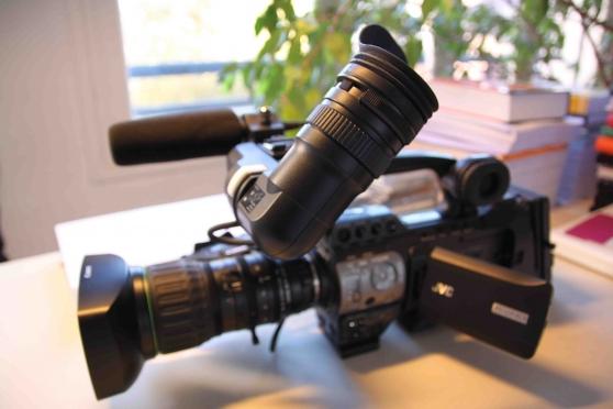 Caméra d'épaule Pro HD - JVC-HM750E