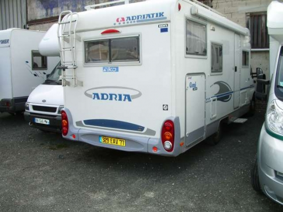 camping car adria 680 sp claye souilly caravanes camping car camping car claye souilly. Black Bedroom Furniture Sets. Home Design Ideas