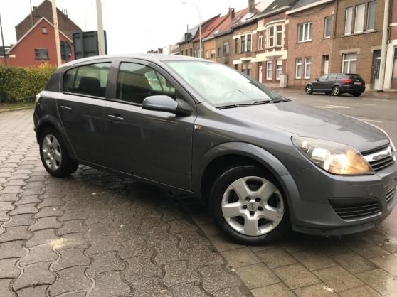 Opel astra DTCI. 1.7. 6 ch 100ch