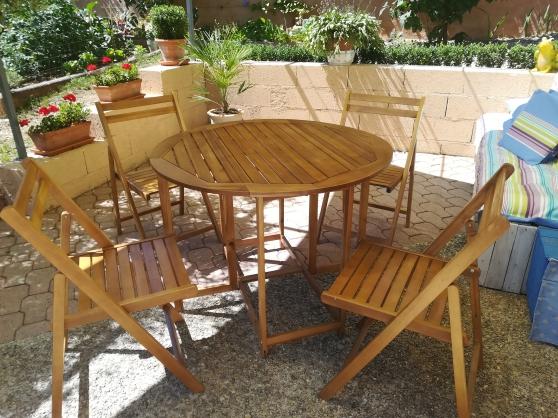 table et chaises terrasse