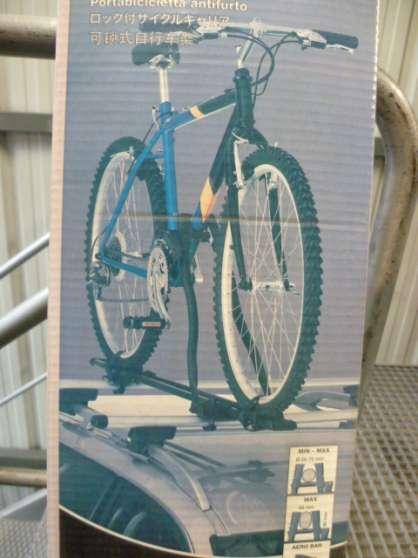 Porte-vélo sur toit Thule Neuf
