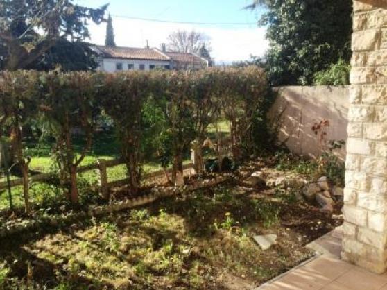 rare aix sud bas de villa avec jardin