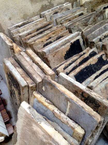 mat riaux anciens bars gris de n mes n mes mat riaux de construction sol carreau n mes. Black Bedroom Furniture Sets. Home Design Ideas