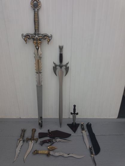 Petite Annonce : Epées + couteaux + dagues de collection - •Epée  UNITED  Kit Raé
