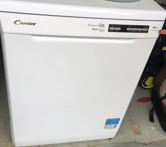 Annonce occasion, vente ou achat 'Lave vaisselle 15 couverts'
