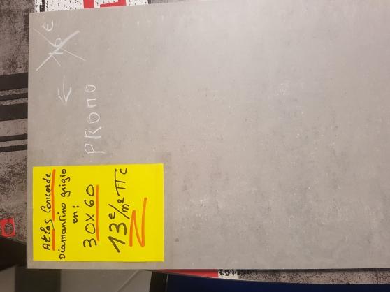 Annonce occasion, vente ou achat 'cerame 30x60 effet béton/anthracite / 13'