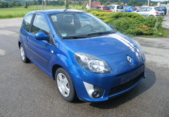 Annonce occasion, vente ou achat 'Renault twingo ii 1.2 75 h nokia'