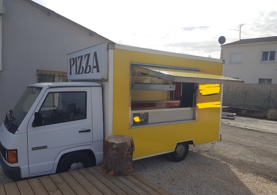 Annonce occasion, vente ou achat 'Camion Pizza Mercedes MB100'