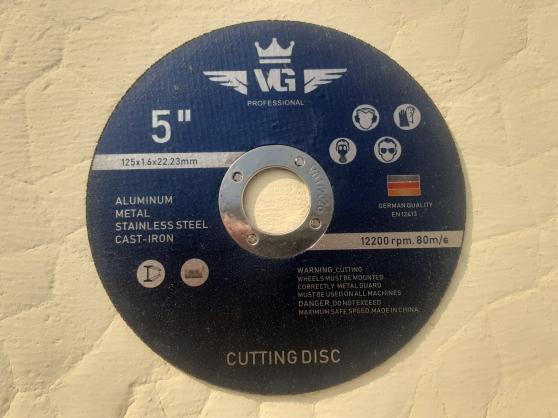 Annonce occasion, vente ou achat '100 disques à tronçonner 125mm x 1.6mm'