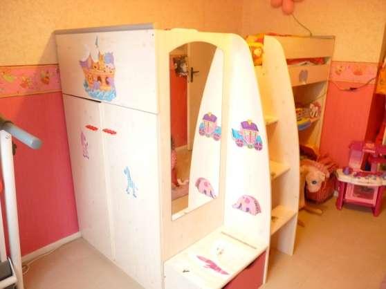 Magnifique chambre fille: lit +armoire
