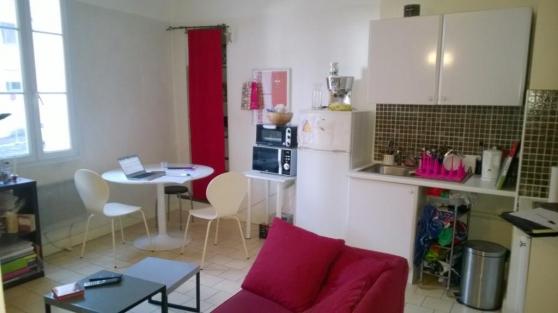 AIX CV Pasteur : Petit T3 1er étage,