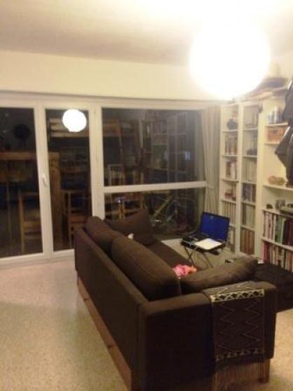 aix sud studio en 2ème étage balcon pkg