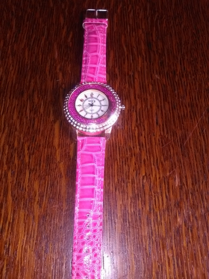 montre femme en cuir bracelet rose - Annonce gratuite marche.fr