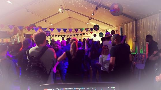 Un DJ pour soirée - Photo 2