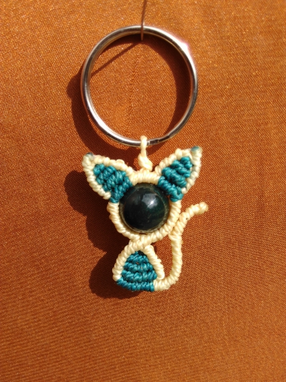 Annonce occasion, vente ou achat 'chat macramé perle agate véritable'