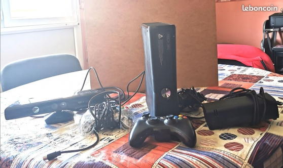 Annonce occasion, vente ou achat 'Xbox 360+manettes+kinect+90jeux'