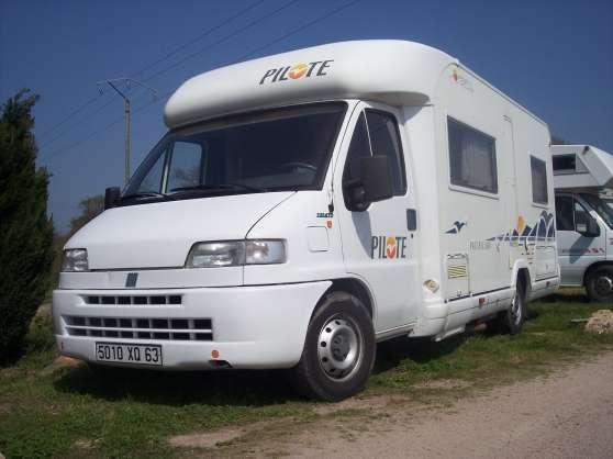 camping car occasion reprise region auvergne st bonnet de four caravanes camping car. Black Bedroom Furniture Sets. Home Design Ideas
